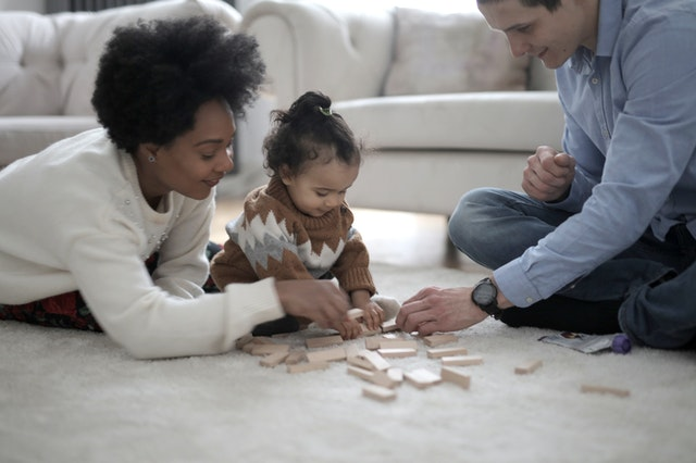 Higiena pierwszych ząbków, czyli o szczoteczkach sonicznych dla dzieci